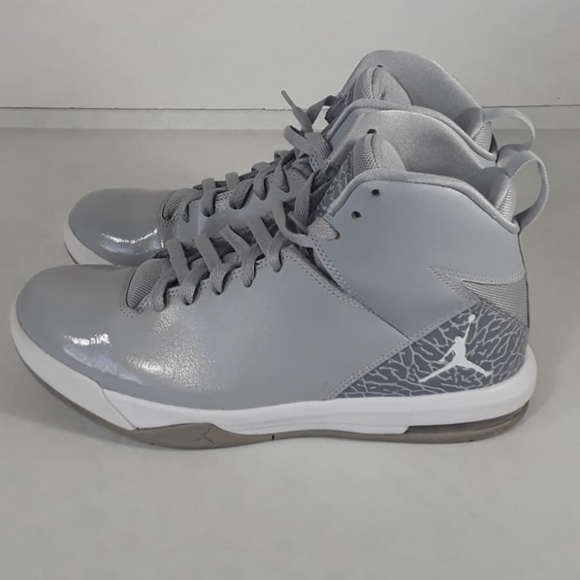 best service 147e7 129c0 Jordan Other - Jordan Imminent Off Court Shoes Wolf Grey White
